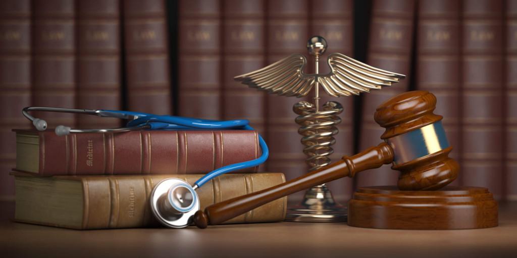 Contratar un perito médico forense